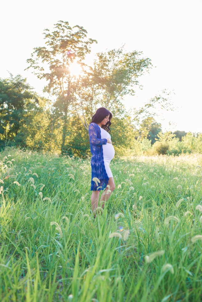 long-island-outdoor-lifestyle-maternity-photo-session-port-jefferson-suffolk-county-new-york