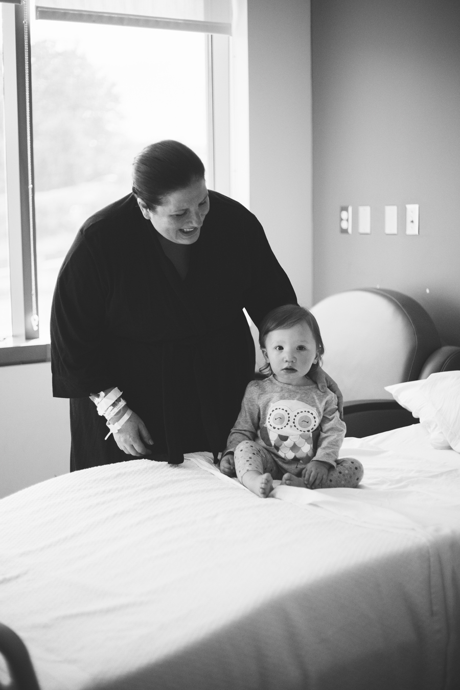 long-island-fresh48-lifestyle-newborn-photo-session-stony-brook-hospital-port-jefferson-suffolk-county-new-york