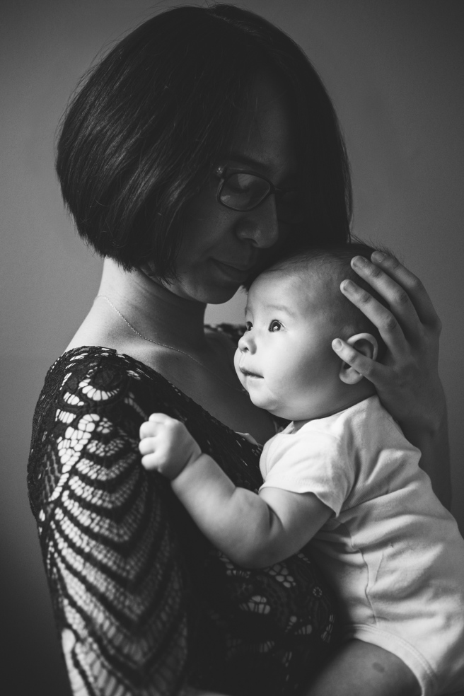 Loving_long_island_family_photography_session_port_jefferson_new_york_mothers_day_home_studio_newborn